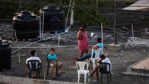 Umgänge på taket under karantän. Santo Domingo, Dominikanska republiken 18.4.2020