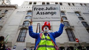 Demonstration till stöd för Julian Assange utanför domstolsbyggnaden Old Bailey i London 7.9.2020