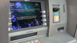 En bankomat ur funktion i Aten, Grekland den 29 juni 2015.