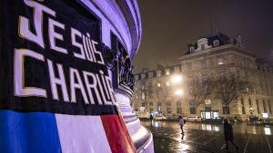 Bild tagen under tvåårsdagen av attentatet mot Charlie Hebdo i Paris.