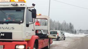 Olycksbil bärgas i Karleby