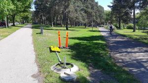 En gång- och cykelväg i Ekenäs.