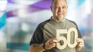 Kolmiosainen dokumenttisarja paljastaa käytännön keinoja, joilla voi hidastaa kehon ikääntymistä.