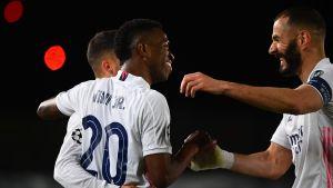 Real Madrid firar mål.