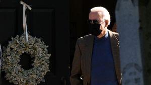 USA:s president Joe Biden fotograferad på lördagen utanför den kyrka han regelbundet besöker i sin hemstad Wilmington, Delaware.