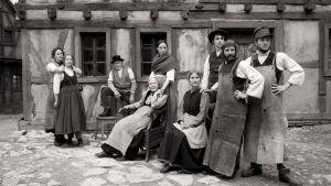 Simonin perhe elokuvassa Kotiseutu - kaipauksen vuodet