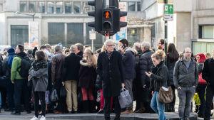 Folk i Bryssel den 22 mars 2016.