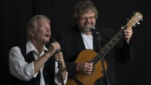 Norska trubadurduon Steen-Vidar Larsén och Öistein Rian