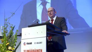 Metallförbundets ordförande på det extra förbundsmötet den 17 maj 2017.