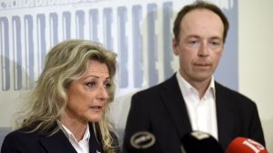 Ritva Kike Elomaa och Jussi Halla-aho