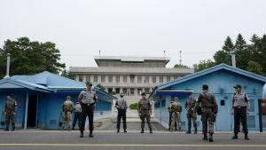 Etelä-Korean puoli Koreoiden rajakylästä heinäkuussa 2017
