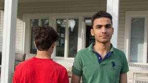 Ali ja Hassan nuoret maahanmuuttajat.