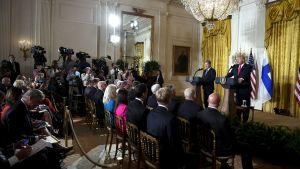 Presidenterna Niinistö och Trump håller presskonferens.