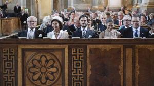 Den svenska kungafamiljen i Slottskyrkan