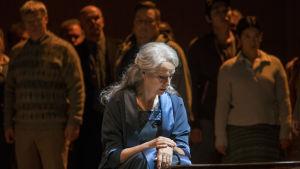 Anne Sofie von Otter i rollen som Charlotte i operan Höstsonaten