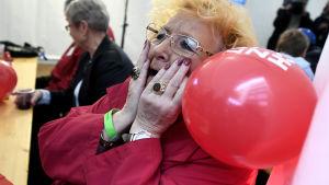En anhängare av de tyska socialdemokraterna reagerar på valprognosen.