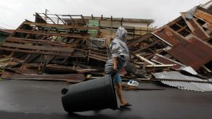 Orkanen Marias framfart syns i Fajardo i Puerto Rico.