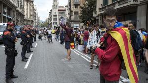 Demonstranterna var särskilt upprörda över polisvåldet mot vanliga väljare