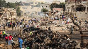 Över 300 människor dog i det värsta terrordådet i Somalias historia.