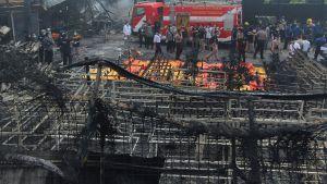 Brand i fyrverkerifabrik i Tangerang, väster om Indonesiens huvudstad Jakarta.
