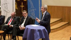 Presidenttiehdokas Pekka Havisto vaalikeskustelussa Helsingin Yliopstolla 27.11.2017