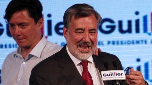 Vänstersenatorn Alejandro Guillier erkände sin förlust i natt