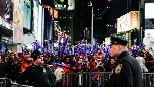 Nyårsfestligheter vid Times Square i New York 2016.