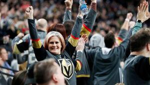 Vegas-anhängare firar.