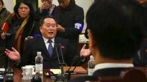Den nordkoreanske chefsdelegaten Ri Son-Gwon vid samtalen i Panmunjom 9.1.2017.