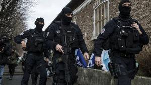 Franska poliser.