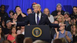 President Donald Trump talar i Ohio den 5.2.2018.