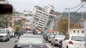 En av de kollapsade byggnaderna i Hualein på onsdagen 7.2.2018.