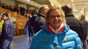 Jutta Berg sköter om matchprotokollet