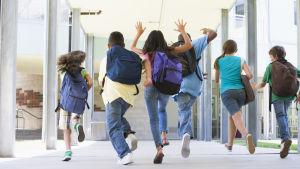 Barn i skola