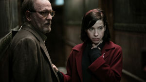 Richard Jenkins ja Sally Hawkins elokuvassa The Shape of Water (2017)