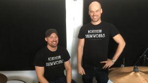 Bröderna Englund bygger trummor