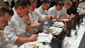 juryn i tävlingen Årets kock 2018 utvärderar maten