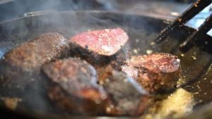stekning av kött