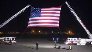 Amerikansk flagga på flygbasen Andrews i Maryland.