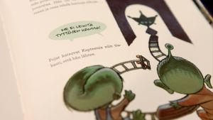 Kuvitusta Näkymätön -lastenkirjasta.