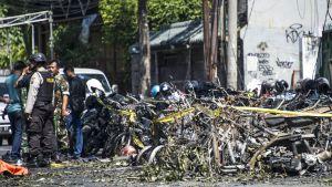 Bombdåd mot kyrka i Surabaya, Indonesien.