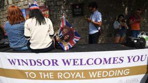 Förberedelser inför bröllopet i Storbritannien