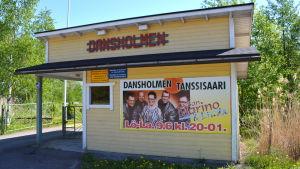 Biljettförsäljningen på Dansholmen i Tolkis.