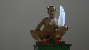 kvinnoskulptur