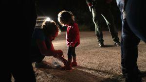 Invandrare från Honduras vid gränsen mellan USA och Mexiko