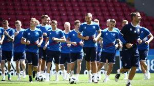 Argentinaspelarna tränar på Spartak Stadion.