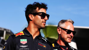 Daniel Ricciardo med Jonathan Wheatley från Red Bull Racing.
