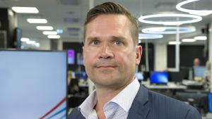 Mika Aaltola Ylen uutistoimituksessa 28. 06. 2018.