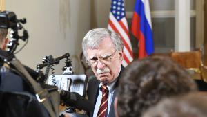 USA:s nationelle säkerhetsrådgivare John Bolton i Helsingfors den 16 juli.
