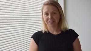 Emilie Yliheljo doktorerar i miljörätt vid Helsingfors universitet.
